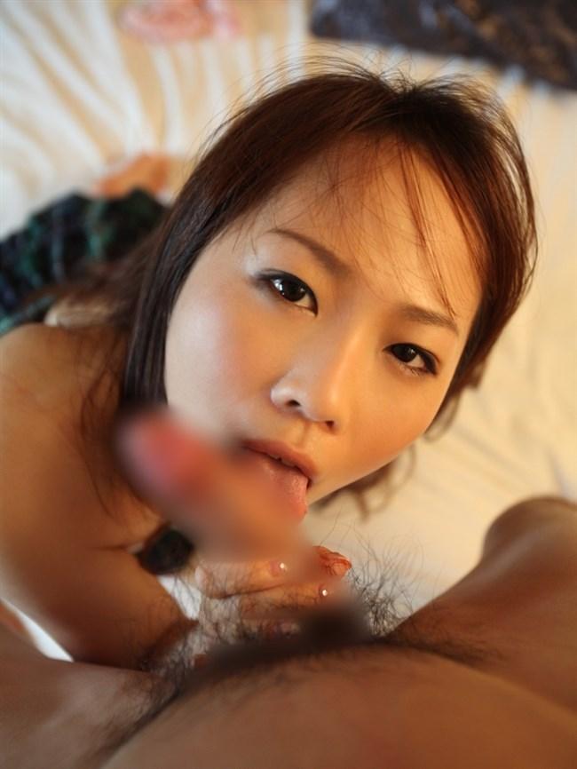 薄っすら嬉しそうな表情を浮かべてフェラチオする女性wwww0008shikogin