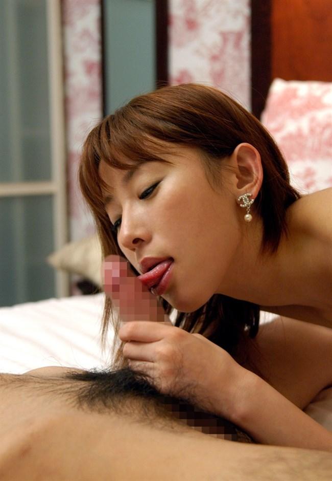 薄っすら嬉しそうな表情を浮かべてフェラチオする女性wwww0003shikogin