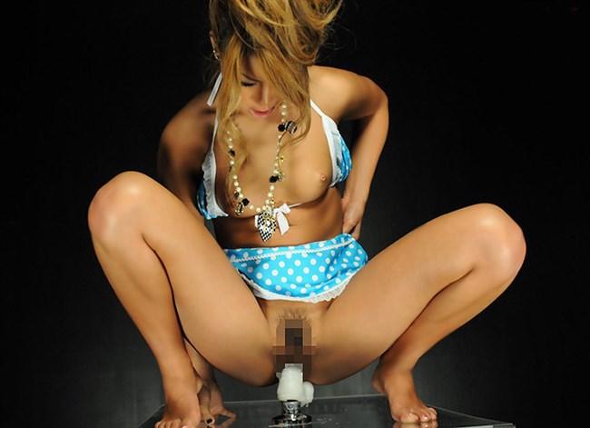 極太ディルドでオナニーするなんて絶対人に言えない女性の恥ずかしい姿www0011shikogin