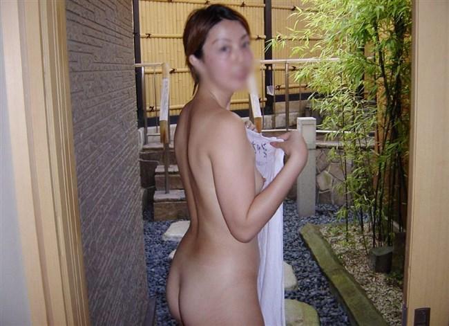 変態露出狂娘が混浴露天風呂に入るとこうなるwwww0011shikogin