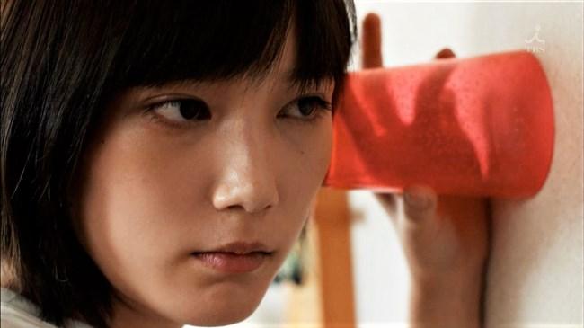 本田翼~ドラマ「わにとかげぎす」ではパンティー見せなど過激なエロ一杯!0003shikogin
