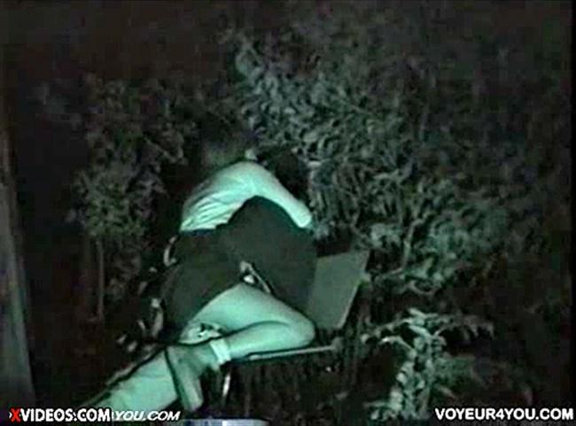 暗闇でセックスするカップルを赤外線カメラで盗撮した結果wwww0007shikogin