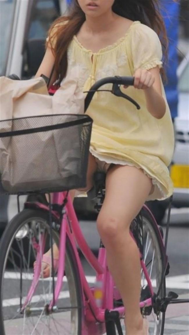 ミニスカ女子がチャリに乗ると必ずこうなるwwwww0011shikogin