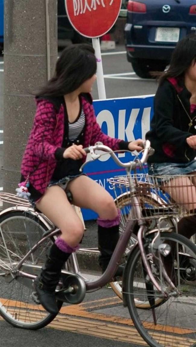 ミニスカ女子がチャリに乗ると必ずこうなるwwwww0015shikogin