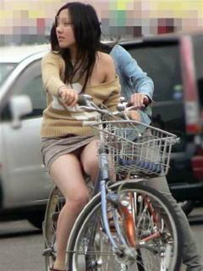ミニスカ女子がチャリに乗ると必ずこうなるwwwww0016shikogin