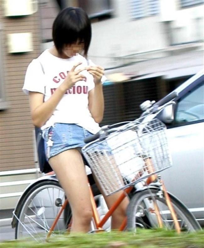 ミニスカ女子がチャリに乗ると必ずこうなるwwwww0028shikogin