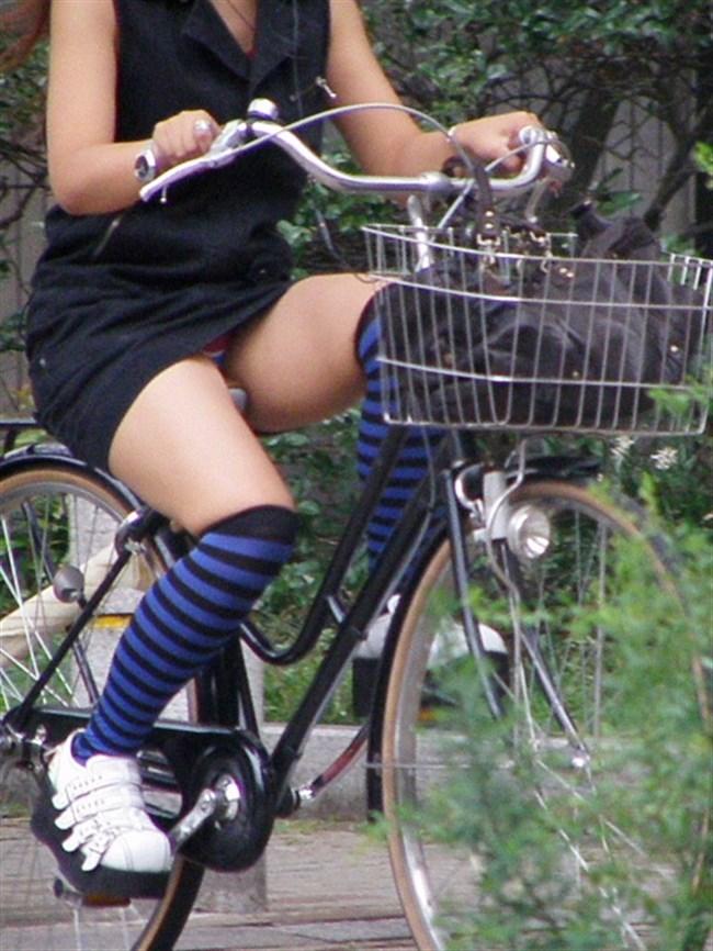 ミニスカ女子がチャリに乗ると必ずこうなるwwwww0034shikogin