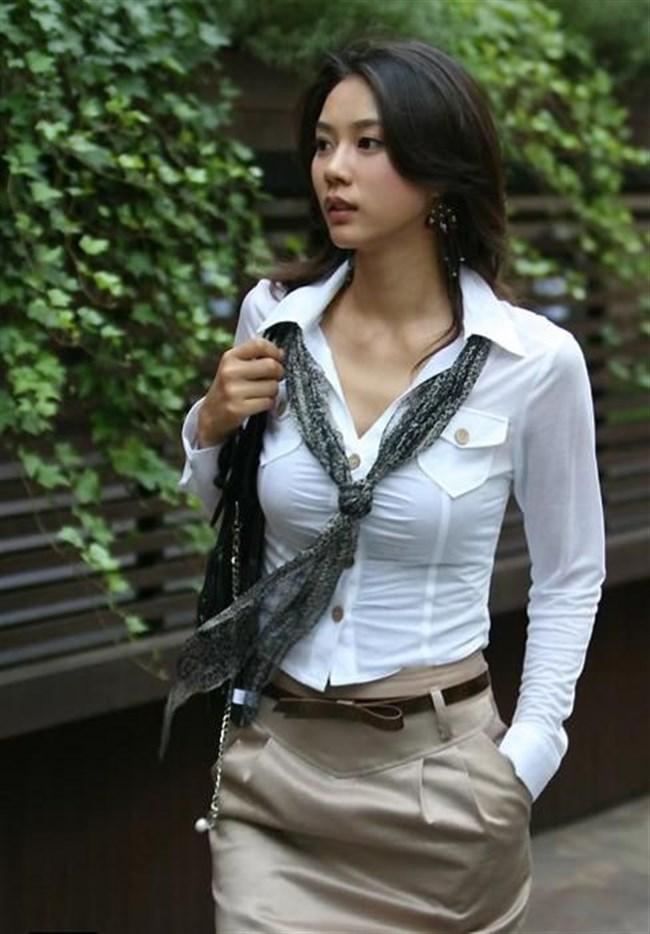 胸が豊満過ぎてYシャツのボタンが弾ける寸前の女子www0005shikogin