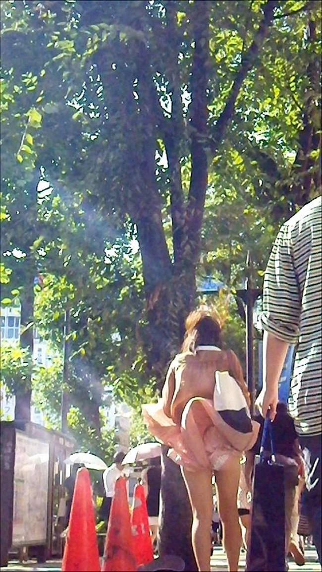強風の日のスカート女子の後ろはパンチラパラダイスwww0017shikogin