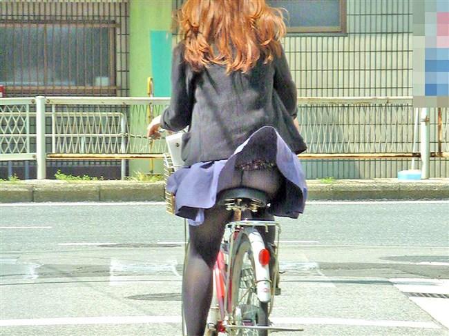 強風の日のスカート女子の後ろはパンチラパラダイスwww0002shikogin