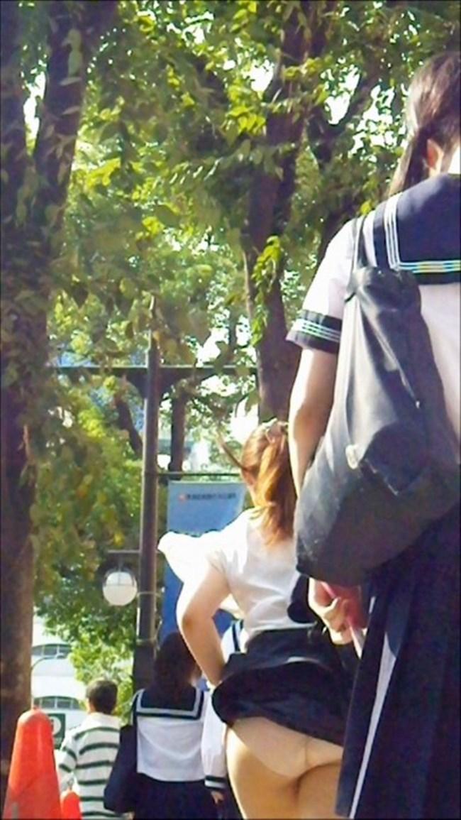 強風の日のスカート女子の後ろはパンチラパラダイスwww0011shikogin