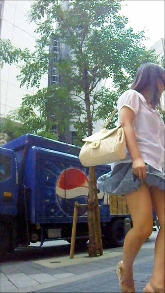 強風の日のスカート女子の後ろはパンチラパラダイスwww0020shikogin