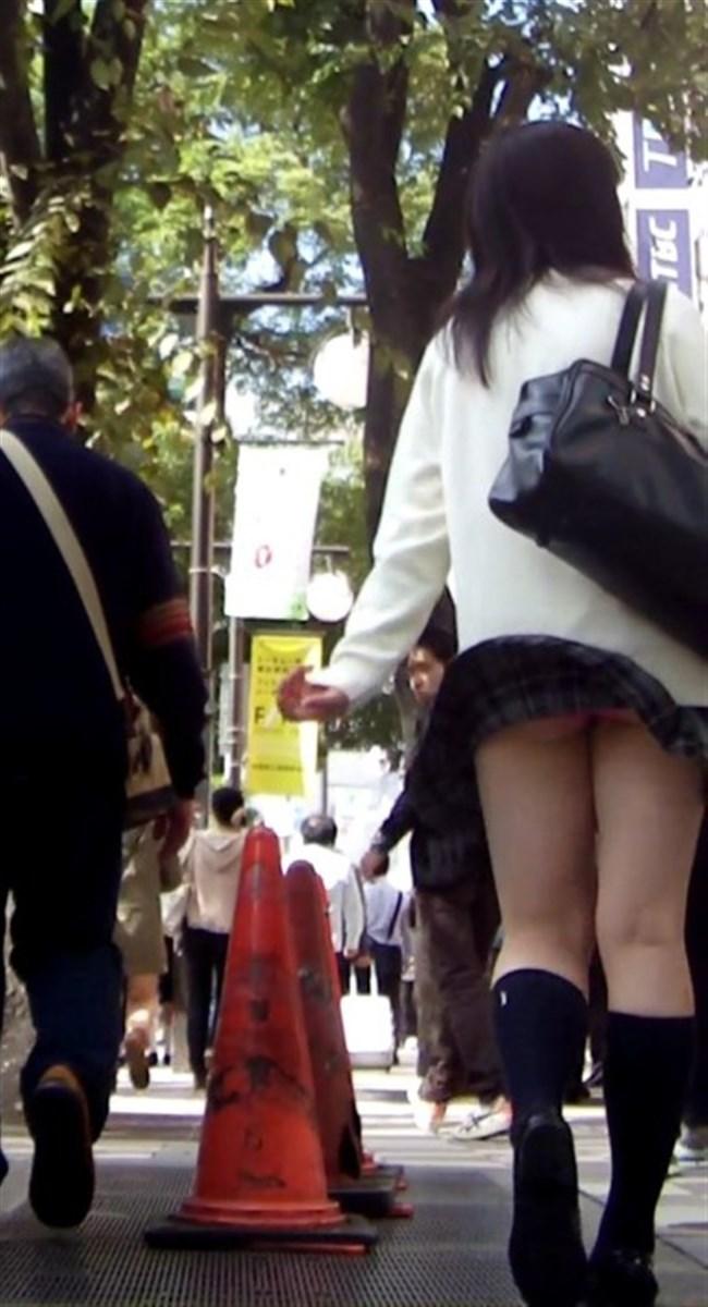 強風の日のスカート女子の後ろはパンチラパラダイスwww0024shikogin