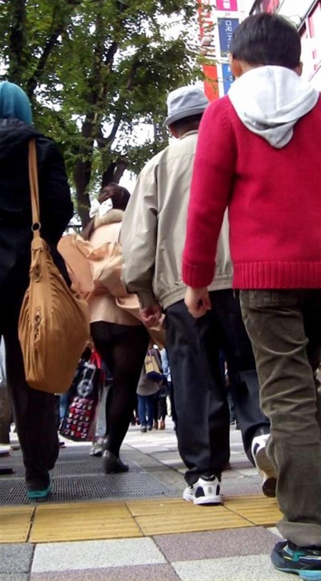 強風の日のスカート女子の後ろはパンチラパラダイスwww0025shikogin