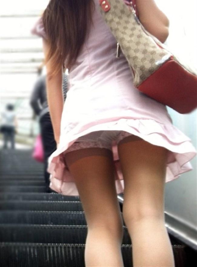 強風の日のスカート女子の後ろはパンチラパラダイスwww0029shikogin