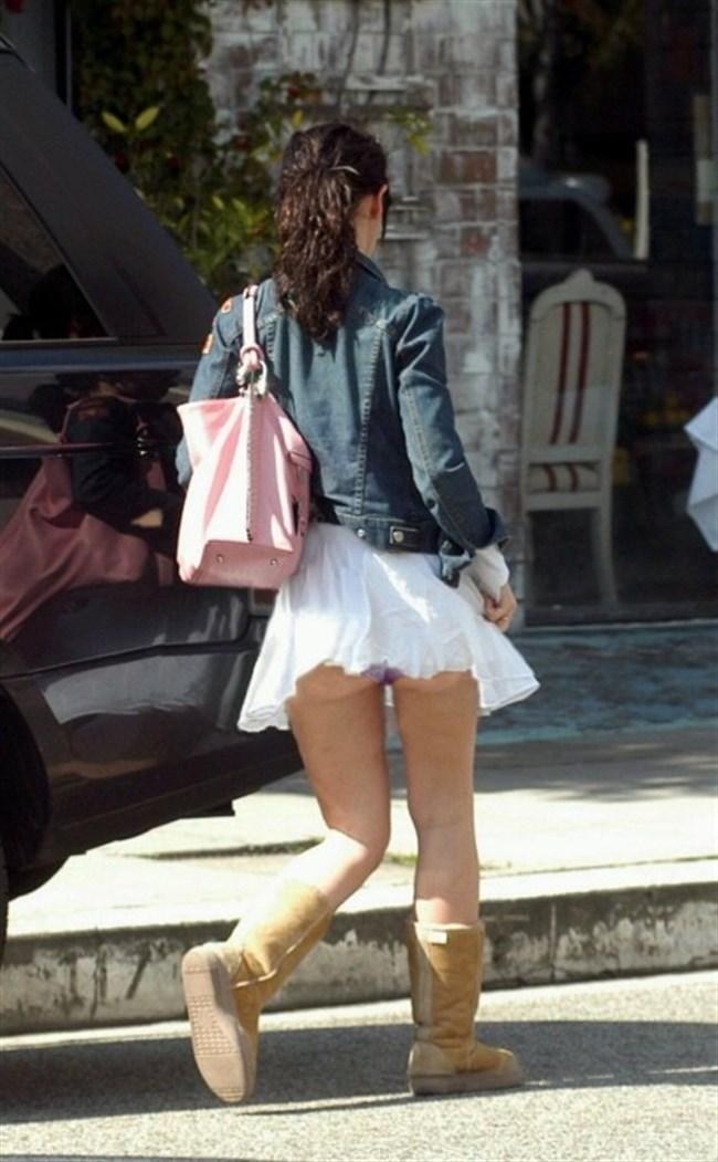 強風の日のスカート女子の後ろはパンチラパラダイスwww0037shikogin