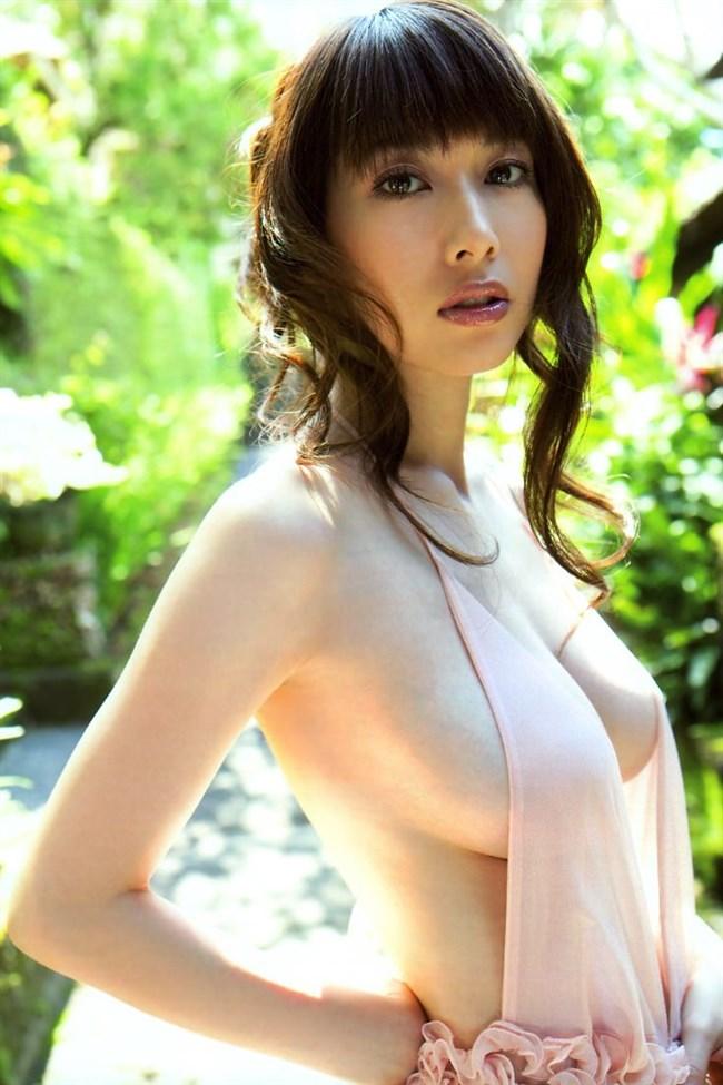 乳首ギリギリに迫るグラドルの撮影シーンはポロリと紙一重wwww0005shikogin
