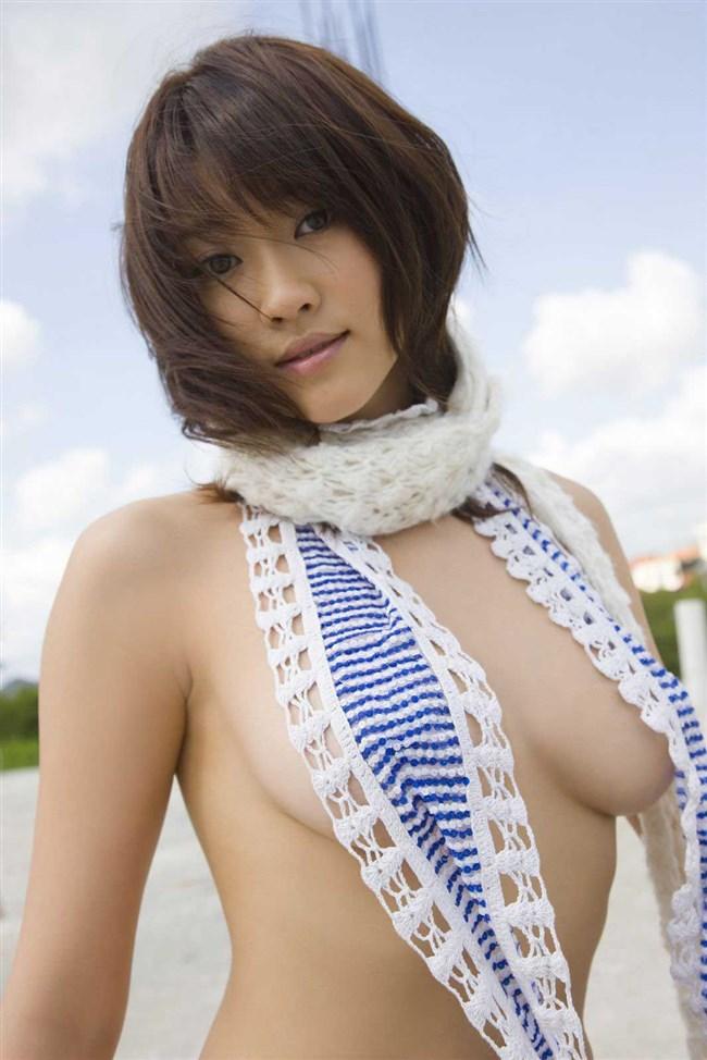 乳首ギリギリに迫るグラドルの撮影シーンはポロリと紙一重wwww0012shikogin
