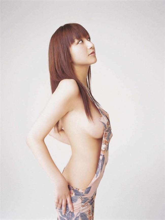 乳首ギリギリに迫るグラドルの撮影シーンはポロリと紙一重wwww0024shikogin