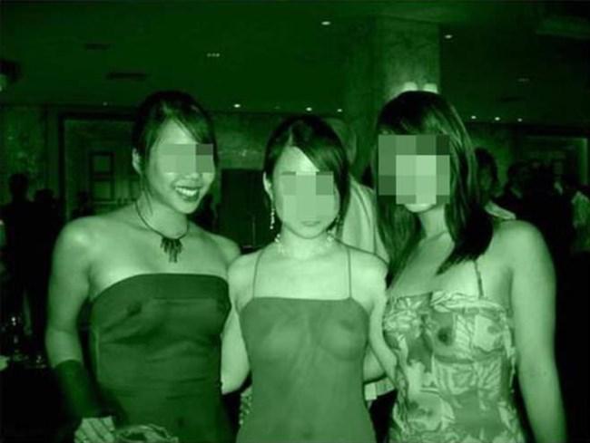 女性の乳首や陰毛を赤外線盗撮で盗み見wwww0013shikogin