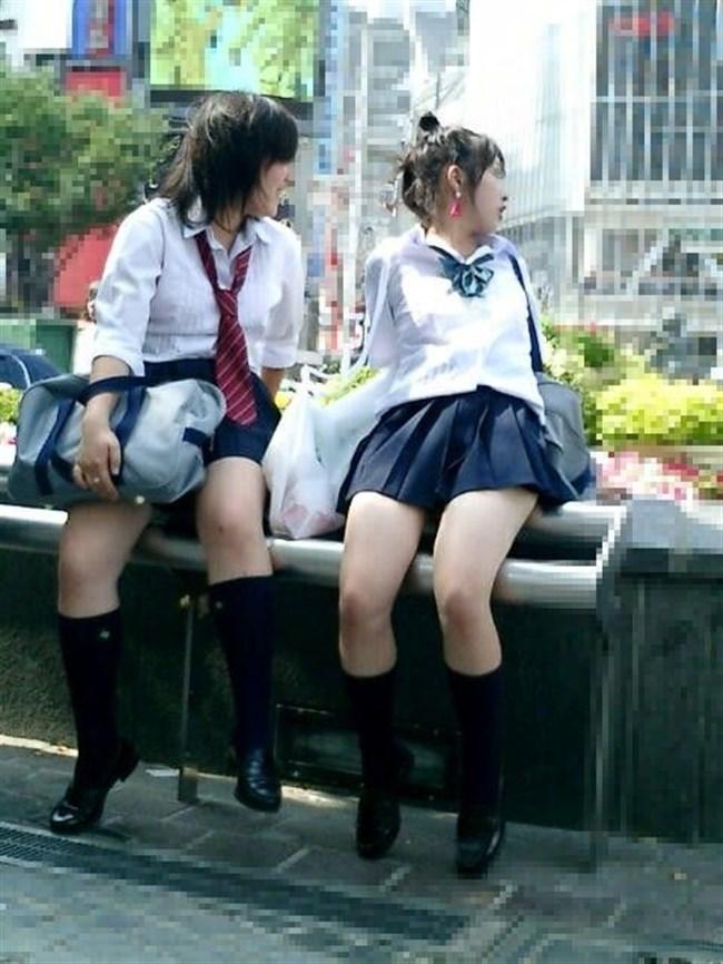 ミニスカは短いほど可愛いと思ってる制服JKの限界wwww0008shikogin