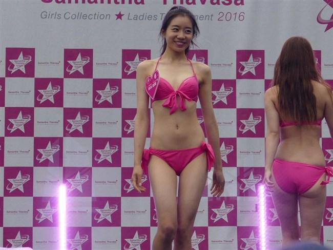 秋本鈴果~現役女子大生の美形モデルが週プレの水着グラビアを見せてくれた!0008shikogin