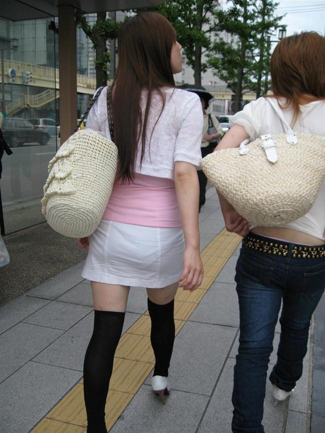 パンツの柄までくっきりさせて男どもの視線を集める女性wwww0002shikogin