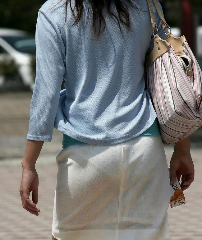 パンツの柄までくっきりさせて男どもの視線を集める女性wwww0004shikogin