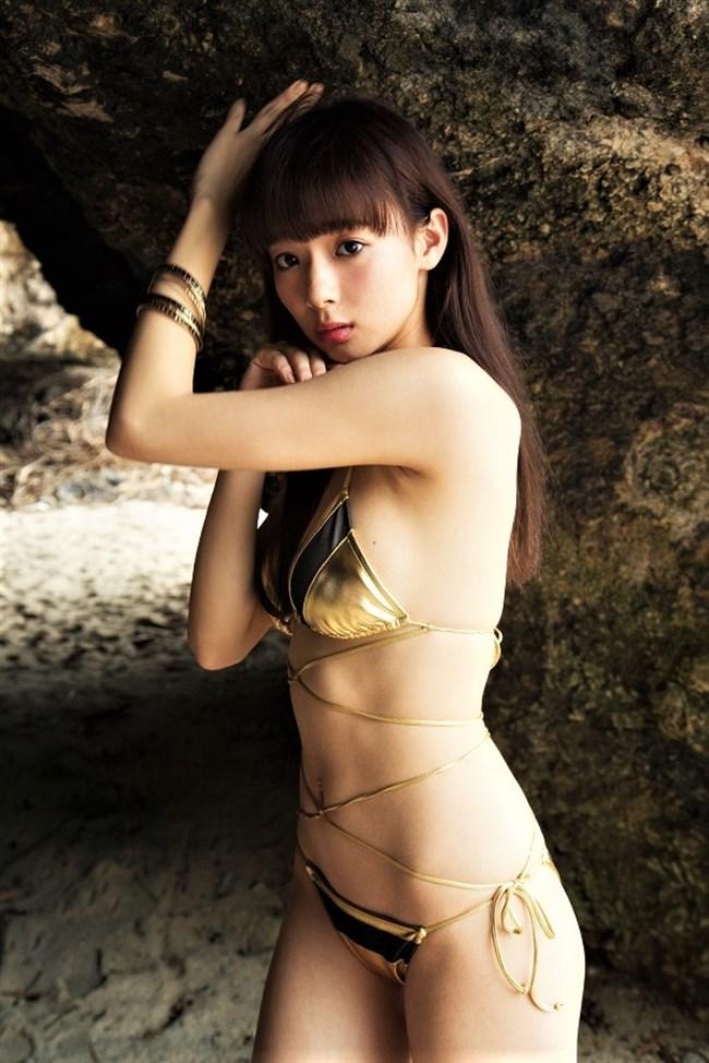 岡田紗佳~FRIDAYの最新水着グラビアはオッパイがハミ出してて超エロい!0012shikogin