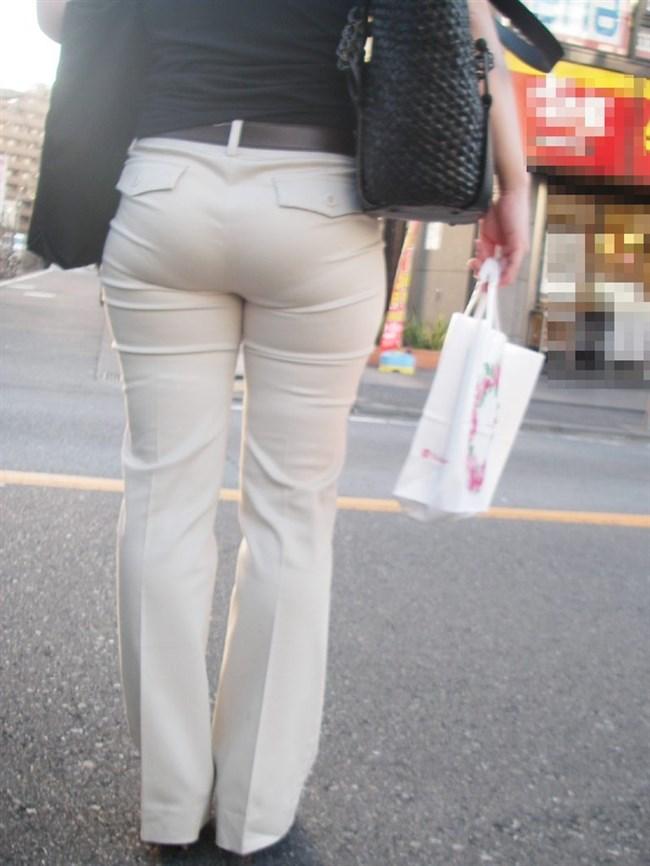 デカ尻でパン線がくっきり浮き出てしまってる女性wwww0006shikogin