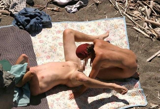 ヌーディストビーチでお互いのカラダを見て欲情してしまった男女はこうなるwww0002shikogin
