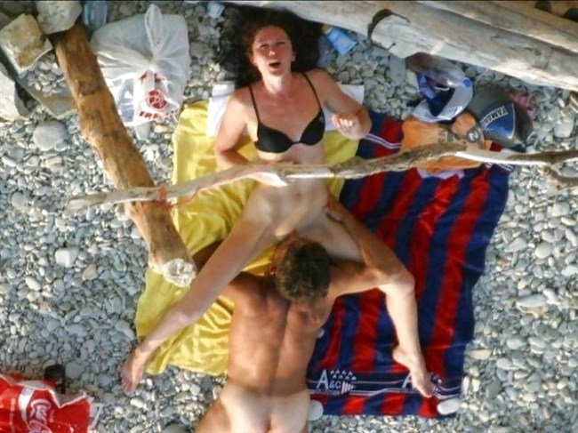 ヌーディストビーチでお互いのカラダを見て欲情してしまった男女はこうなるwww0026shikogin