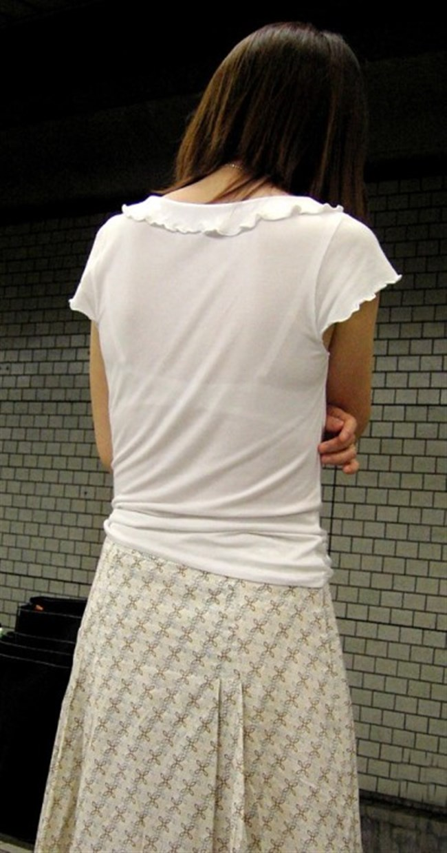 Tシャツ下のブラジャーがすっけすけの女子がえちえちwwwww0008shikogin