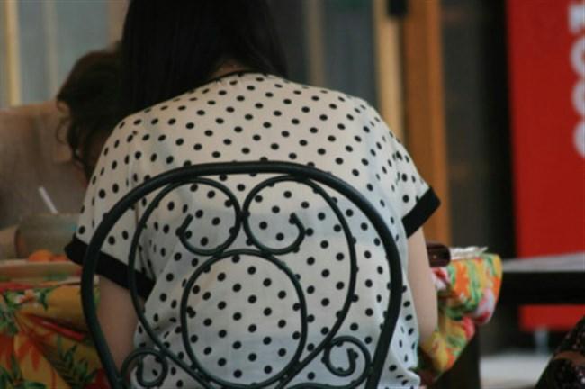 Tシャツ下のブラジャーがすっけすけの女子がえちえちwwwww0010shikogin