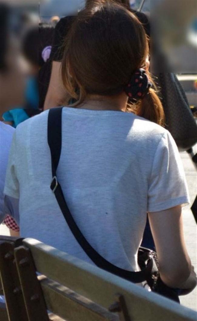 Tシャツ下のブラジャーがすっけすけの女子がえちえちwwwww0025shikogin
