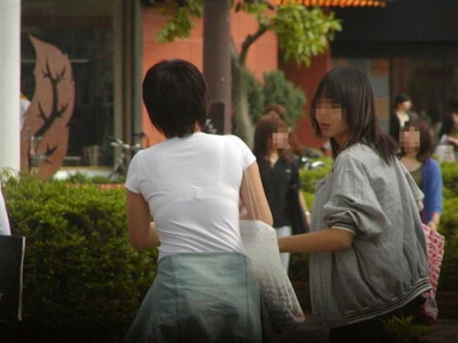 Tシャツ下のブラジャーがすっけすけの女子がえちえちwwwww0032shikogin