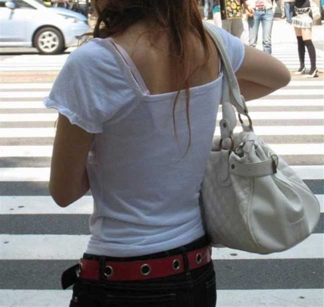 Tシャツ下のブラジャーがすっけすけの女子がえちえちwwwww0035shikogin