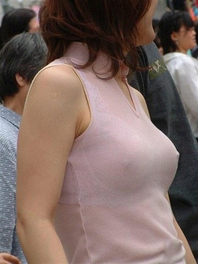 ノーブラで乳首が勃起してしまった女子の乳首ポチがヤラシイwww0012shikogin
