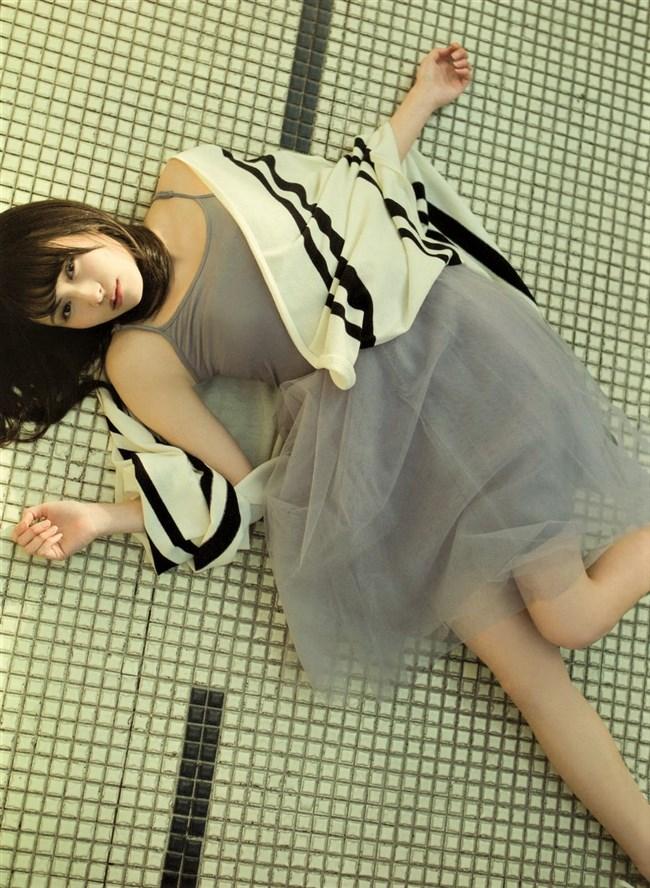 渡辺梨加[櫻坂46]~意外と巨乳なグラビア写真で興奮!水着姿が期待される超アイドル!0003shikogin