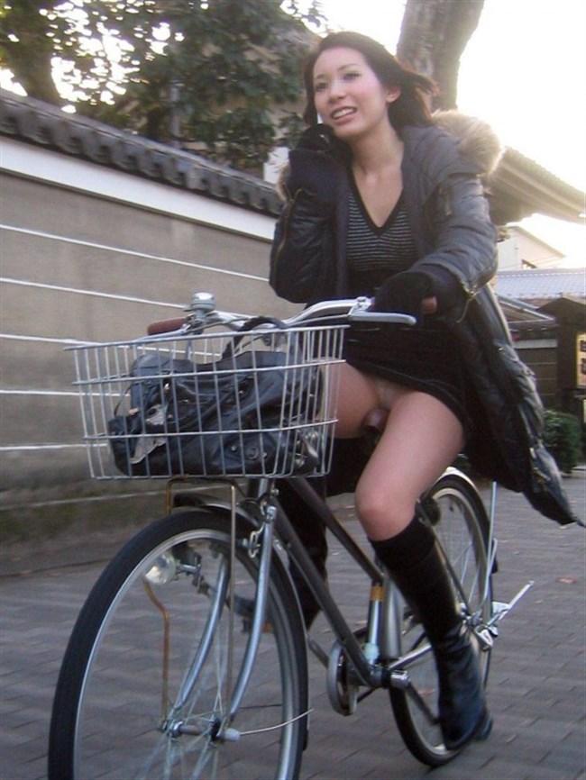 ミニスカ女子が自転車に乗ると高確率でパンチラする法則www0002shikogin