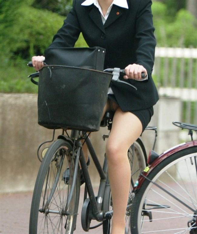 ミニスカ女子が自転車に乗ると高確率でパンチラする法則www0008shikogin