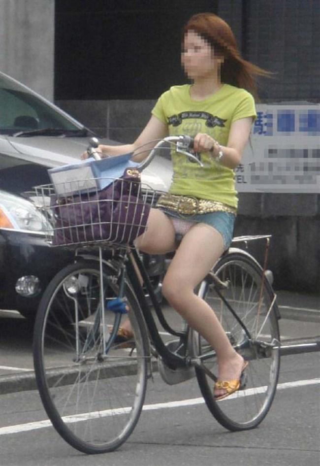 ミニスカ女子が自転車に乗ると高確率でパンチラする法則www0009shikogin