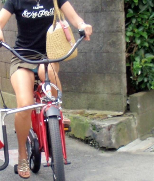 ミニスカ女子が自転車に乗ると高確率でパンチラする法則www0012shikogin