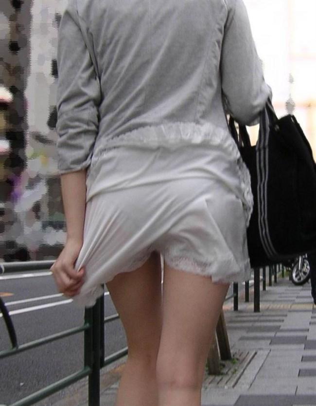 パンツが確実に透ける白系のスカートやパンツを履いてるまんさんwwww0008shikogin