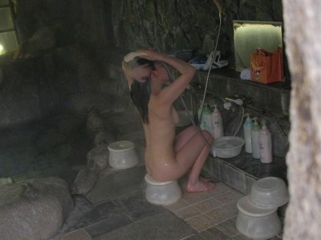 温泉いって壁の向こう側の女湯を覗きたいと思った奴www0007shikogin