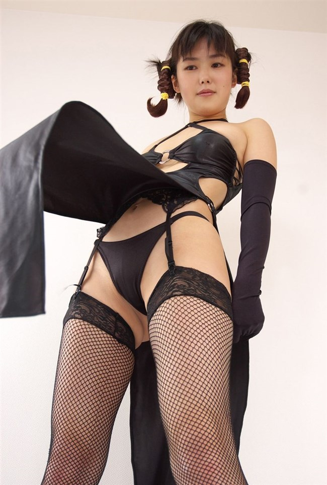全裸ヌードよりえちえちなガーターベルトを付けた女体www0014shikogin