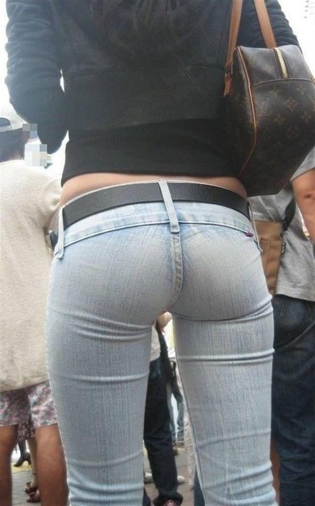 下半身にぴたぴたに貼りついてお尻がえちえちになってるジーンズお姉さんwww0006shikogin