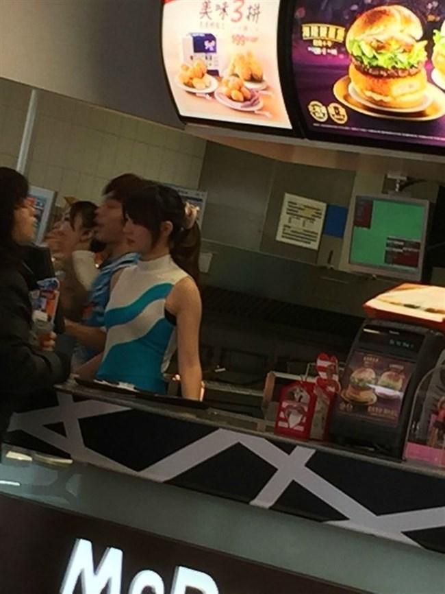 台湾のマック店員が可愛すぎて日本人女性涙目wwww0005shikogin