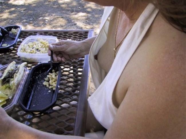 胸のカップとおっぱいがフィットしないとポロリ連発wwww0030shikogin