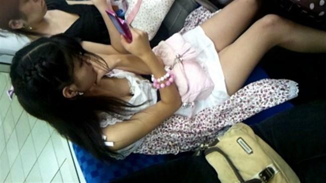 ミニスカ女子が電車内で爆睡するとこうなるwwww0006shikogin